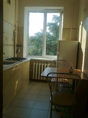 4-комнатная квартира посуточно в Киеве. Печерский район, ул.Госпитальная. Фото 1