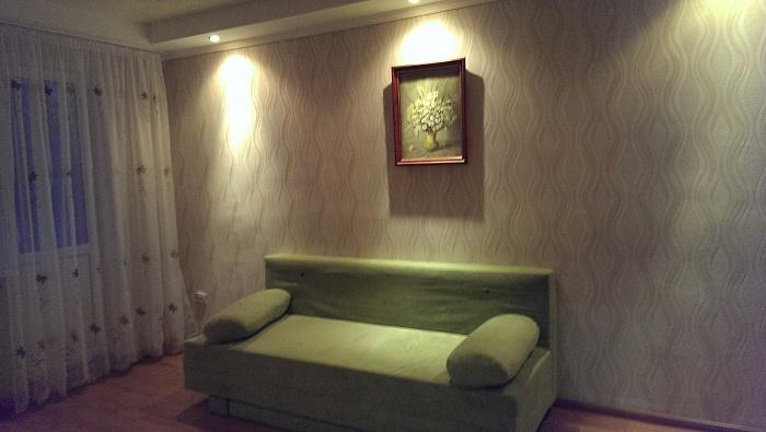 2-комнатная квартира посуточно в Луганске. Октябрьский  район, кв. Солнечный, 28. Фото 1