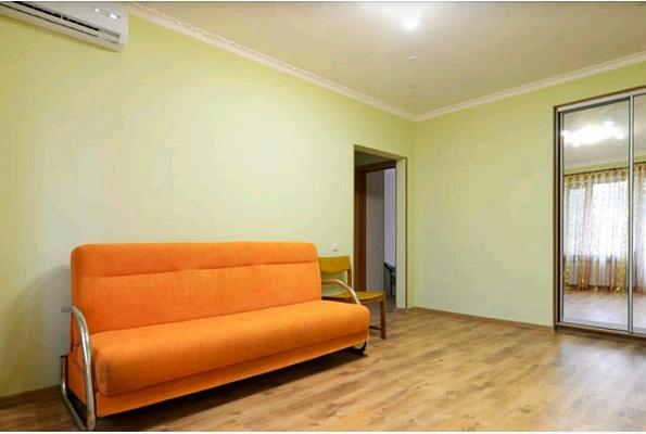3-комнатная квартира посуточно в Киеве. Голосеевский район, ул. Большая Васильковская, 114. Фото 1