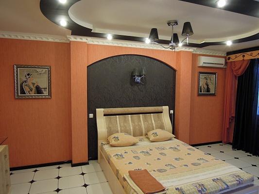 1-комнатная квартира посуточно в Симферополе. Железнодорожный район, ул. Гагарина, 13. Фото 1