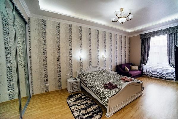2-комнатная квартира посуточно в Львове. Галицкий район, ул. Владимира Винниченко, 8. Фото 1