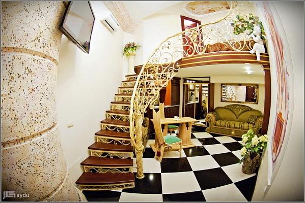 1-комнатная квартира посуточно в Одессе. Приморский район, ул. Дерибасовская, 17. Фото 1