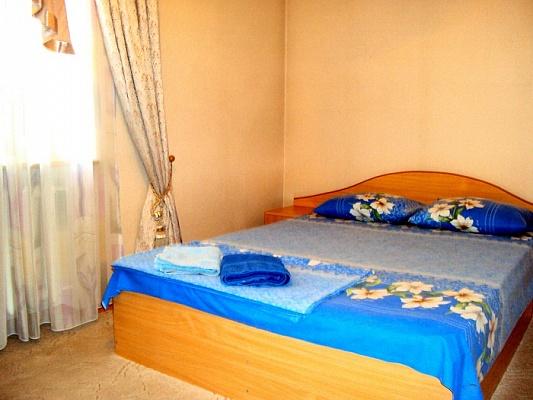 2-комнатная квартира посуточно в Донецке. Киевский район, пр-т Титова, 7. Фото 1