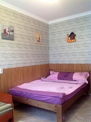1-комнатная квартира посуточно в Евпатории. ул. Санаторская, 18. Фото 1