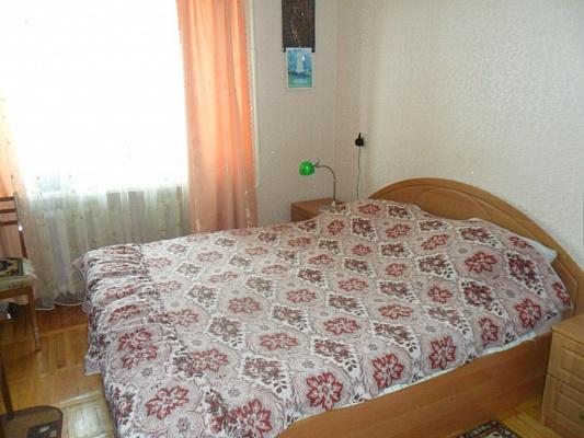 2-комнатная квартира посуточно в Бердянске. ул. Победы, 43. Фото 1
