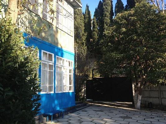 3-комнатная квартира посуточно в Алупке. Крутой спуск, 2. Фото 1