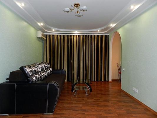 3-комнатная квартира посуточно в Запорожье. Ленинский район, ул. Кремлевская, 65. Фото 1