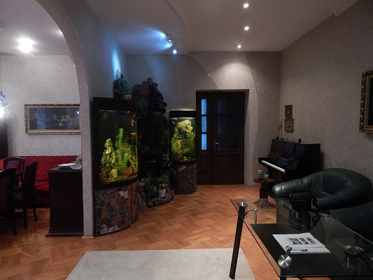3-комнатная квартира посуточно в Львове. Франковский район, ул. Рудницкого, 33. Фото 1