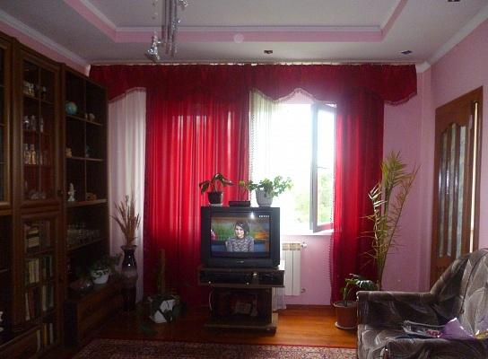 4-комнатная квартира посуточно в Трускавце. ул. Довбуша, 19. Фото 1