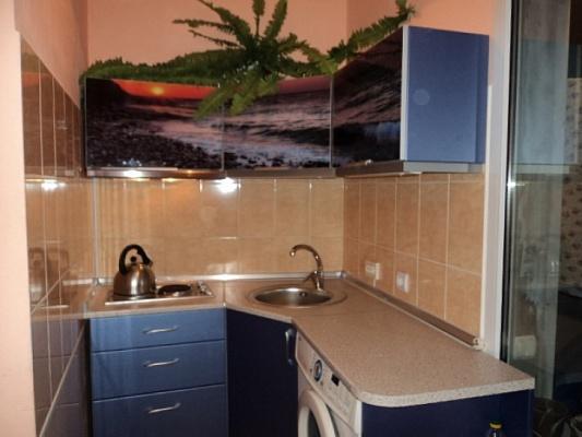 1-комнатная квартира посуточно в Алупке. ул. Калинина, 30. Фото 1