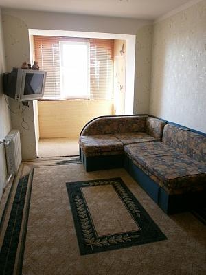 2-комнатная квартира посуточно в Евпатории. ул. Некрасова, 88. Фото 1