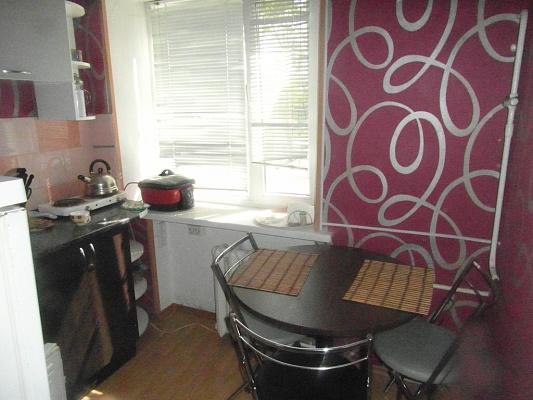 1-комнатная квартира посуточно в Голой Пристани. ул. Ларионова, 101 . Фото 1
