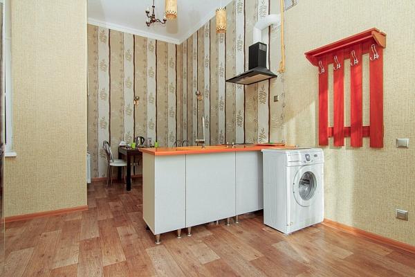 1-комнатная квартира посуточно в Одессе. Приморский район, ул. Екатерининская, 8. Фото 1