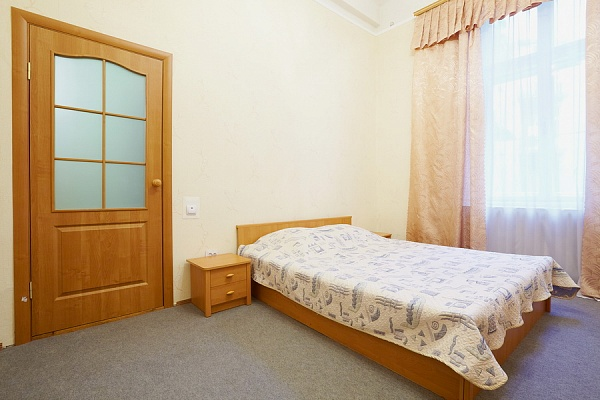3-комнатная квартира посуточно в Львове. Галицкий район, ул. Князя Романа, 34. Фото 1