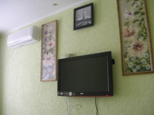1-комнатная квартира посуточно в Ялте. пер. Потемкинский, 5. Фото 1
