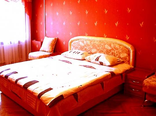1-комнатная квартира посуточно в Львове. Галицкий район, ул. Русская, 6. Фото 1