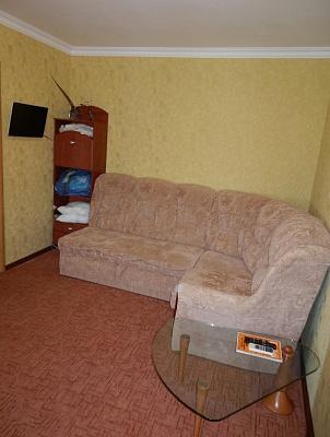 1-комнатная квартира посуточно в Симферополе. Железнодорожный район, ул. Спера, 12. Фото 1