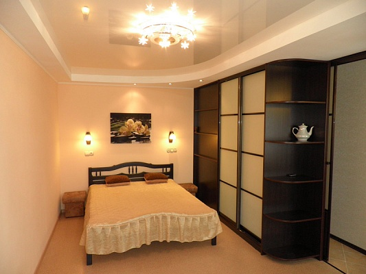 1-комнатная квартира посуточно в Севастополе. Гагаринский район, ул. Репина, 16. Фото 1