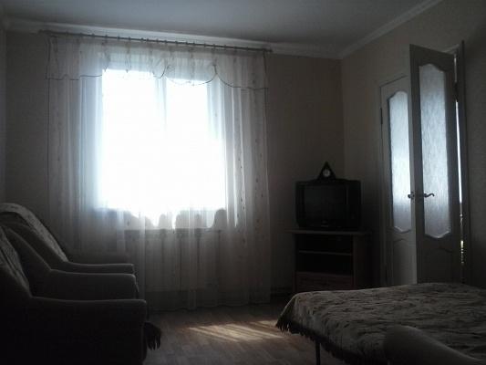 2-комнатная квартира посуточно в Феодосии. ул. Дружбы, 30-а. Фото 1