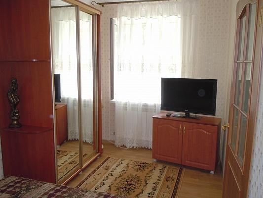 2-комнатная квартира посуточно в Евпатории. ул. Санаторская, 17. Фото 1