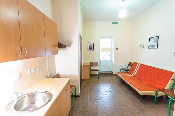 Мини-отель  посуточно в Вышгороде. с.Сухолучье, ул.Майская, 30. Фото 1