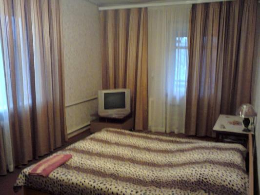 1-комнатная квартира посуточно в Измаиле. пр-т Ленина, 27. Фото 1