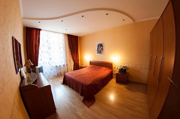2-комнатная квартира посуточно в Одессе. Приморский район, ул. Маяковского, 9. Фото 1