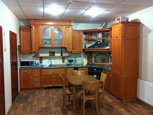 2-комнатная квартира посуточно в Херсоне. Комсомольский район, ул. Суворова, 45. Фото 1