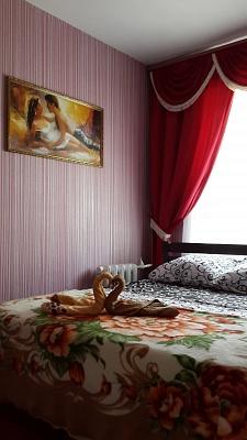 2-комнатная квартира посуточно в Запорожье. Орджоникидзевский район, ул. 40-летия Советской Украины, 76А. Фото 1