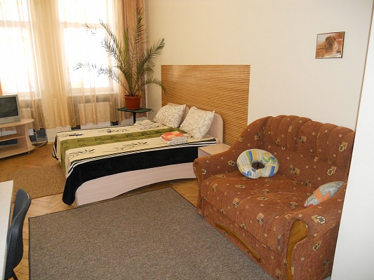 1-комнатная квартира посуточно в Львове. Шевченковский район, ул. Креховская, 6. Фото 1