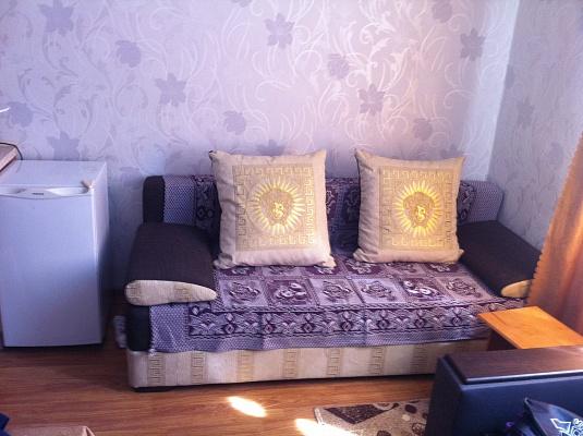 1-комнатная квартира посуточно в Ялте. ул. Балаклавская, 11. Фото 1