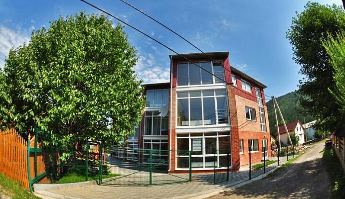 Мини-отель  посуточно в Татарове. ул. Шевченка, 723. Фото 1