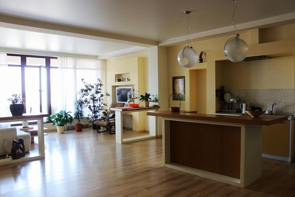 2-комнатная квартира посуточно в Одессе. Приморский район, ул. Греческая, 5. Фото 1