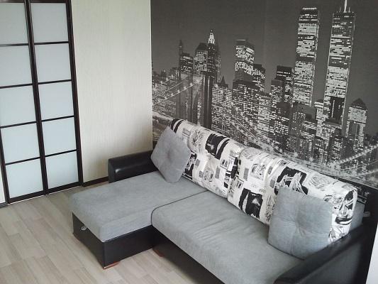 2-комнатная квартира посуточно в Севастополе. Гагаринский район, ул. Юмашева, 11. Фото 1