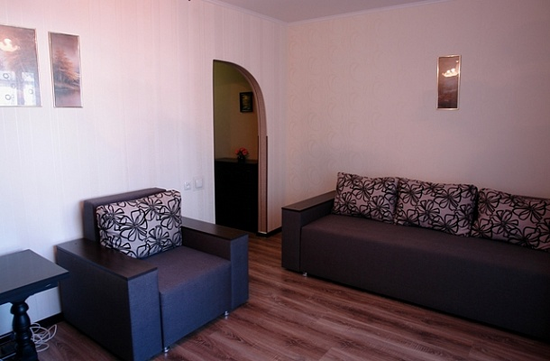 2-комнатная квартира посуточно в Виннице. Замостянский район, ул. Ширшова, 33. Фото 1