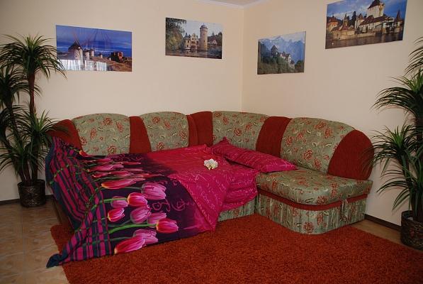 2-комнатная квартира посуточно в Тернополе. ул. Мазепы, 2. Фото 1