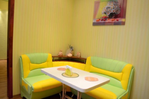 1-комнатная квартира посуточно в Сумах. Заречный район, ул. Покровская, 11. Фото 1