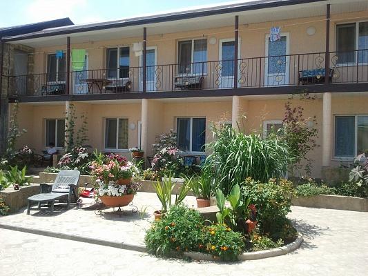 Мини-отель  посуточно в Евпатории. ул. Революции, 0000. Фото 1