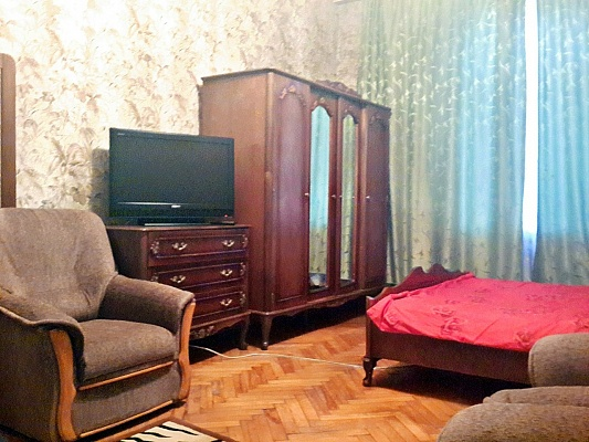1-комнатная квартира посуточно в Киеве. Голосеевский район, ул. Красноармейская, 24. Фото 1