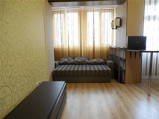 1-комнатная квартира посуточно в Севастополе. Гагаринский район, ул. Античный, 68. Фото 1