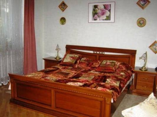 2-комнатная квартира посуточно в Одессе. Приморский район, ул. Пироговская, 5. Фото 1