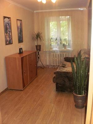 3-комнатная квартира посуточно в Бердянске. ул. 50 лет СССР, 2. Фото 1