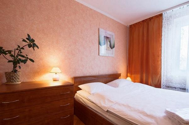 2-комнатная квартира посуточно в Киеве. Голосеевский район, Красноармейская, 136. Фото 1