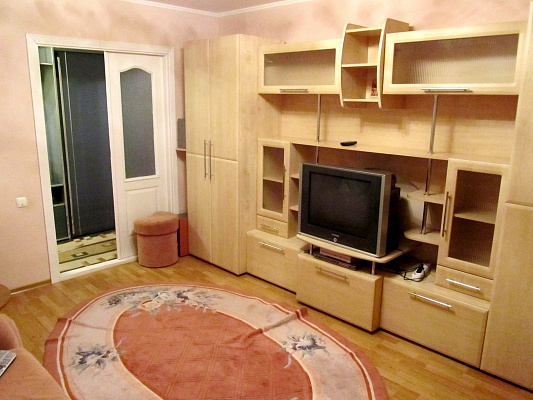 2-комнатная квартира посуточно в Каменце-Подольском. ул. Северная, 90а/1. Фото 1