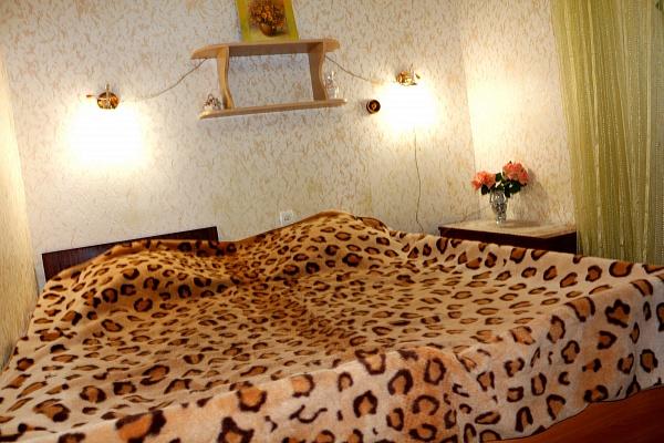 1-комнатная квартира посуточно в Бердянске. ул. Первомайская, 15. Фото 1