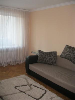 1-комнатная квартира посуточно в Луцке. ул. Конякина, 12. Фото 1
