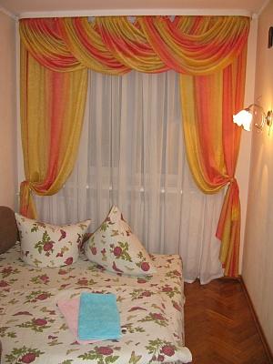2-комнатная квартира посуточно в Луцке. ул. Свободы, 58. Фото 1