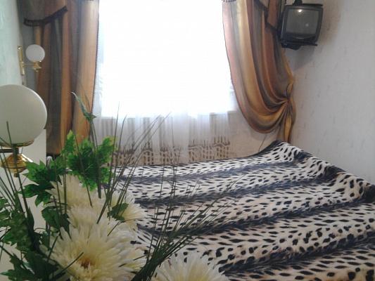 2-комнатная квартира посуточно в Кировограде. Ленинский район, ул. Гагарина, 12. Фото 1