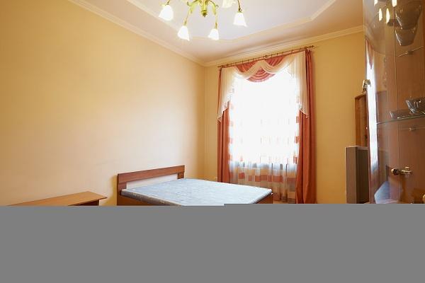 2-комнатная квартира посуточно в Львове. Франковский район, ул. Бандери, 83. Фото 1