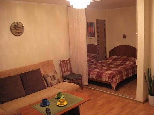 1-комнатная квартира посуточно в Сумах. Ковпаковский район, ул. Леваневского, 22. Фото 1